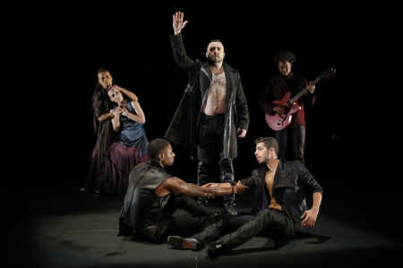 Noche+Flamenca-Antigona-Brothers+War-Photo+by+Chris+Bennion+++038